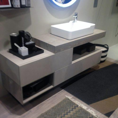 Bagno ilma mobili produzione e vendita parma for Produzione mobili bagno